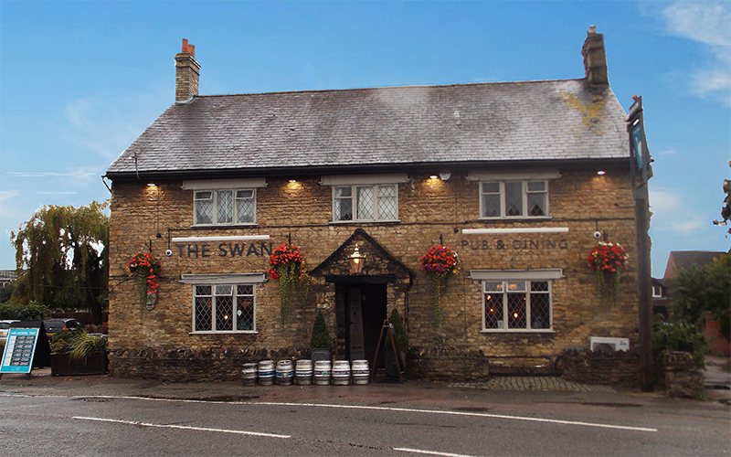 The Swan pub in Bromham